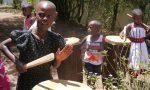 Afrikanische Kinder mit Trommeln